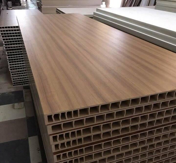 Cửa gỗ nhựa composite - xu hướng được nhiều chủ đầu tư lựa chọn