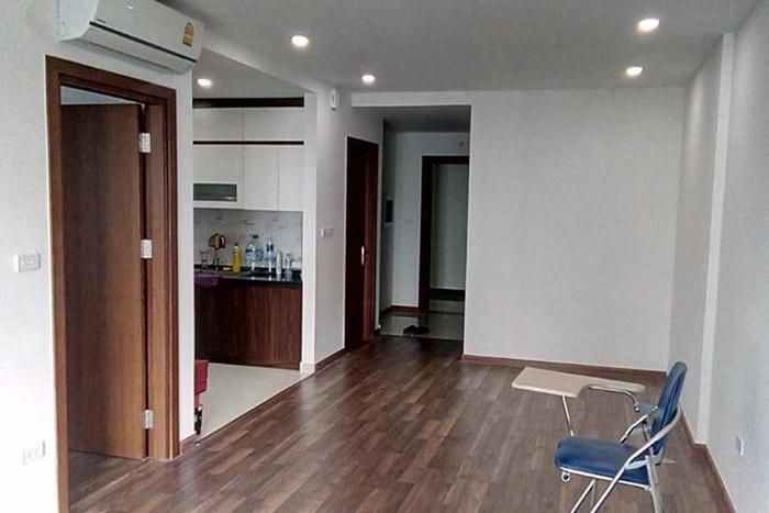 Lắp đặt cửa gỗ Composite cho căn hộ của chị Mai tại Times City