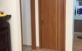 Lắp cửa thông phòng bằng gỗ nhựa composite tại căn hộ Vinhomes Gardennia
