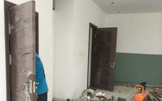 Lắp đặt cửa thông phòng bằng gỗ nhựa Composite tại Khâm Thiên – Hà Nội
