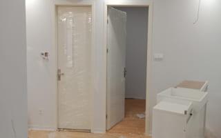 Lắp đặt cửa chất liệu composite cho căn hộ chung cư Mandarin Garden