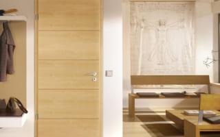 Tiêu chí chọn cửa gỗ cho phòng ngủ mà bạn nên biết
