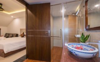 Mẫu cửa gỗ nhựa composite của BigDoor lắp đặt cho khách sạn, nhà nghỉ